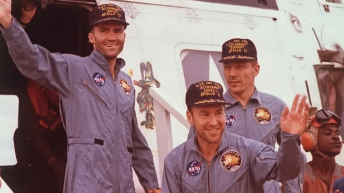 Apollo 13 Spacecraft   What Went Wrong? The Successful Failure 1